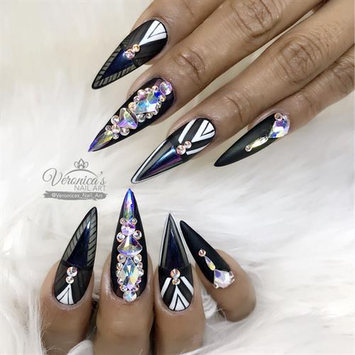Veronica's Nail Art On Schedulicity